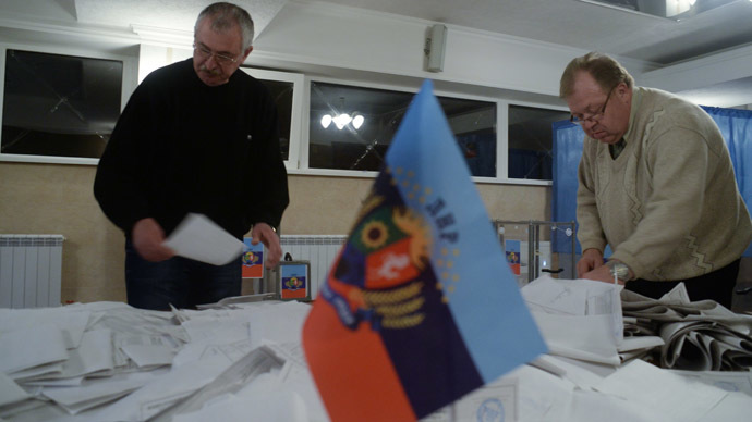 Votes counted at a polling station during the elections in the Lugansk People's Republic (DPR). (RIA Novosti/Valeriy Melnikov)