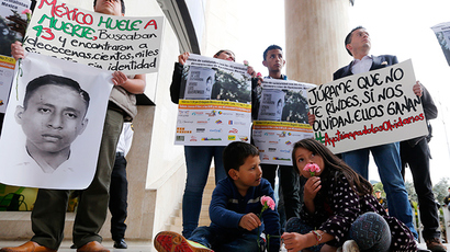 Mexico protesters torch state congress over kidnapped students (PHOTOS, VIDEO)