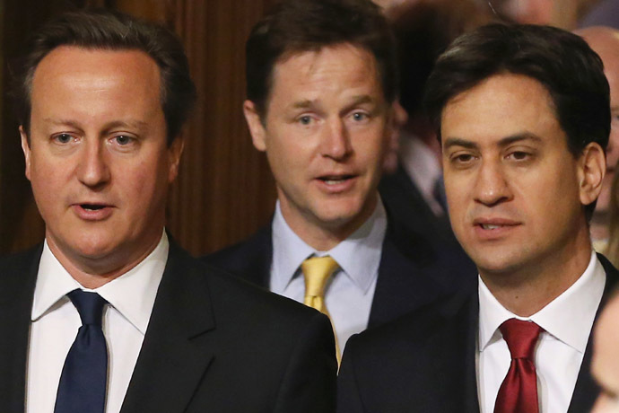 British Prime Minister David Cameron (L) and leader of the opposition Labour Party Ed Miliband (R) and British Deputy Prime Minister Nick Clegg (C) (AFP Photo)