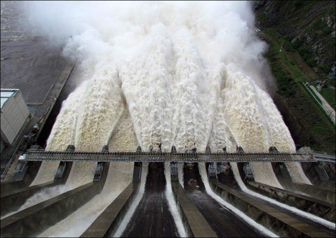 Rushydro dam in Amur region (Image from wikipedia.org)
