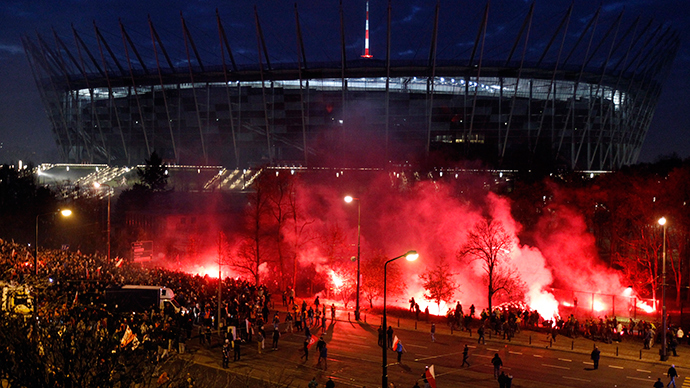 Over 270 arrests as Warsaw nationalist march ends in clashes, flares, water cannon