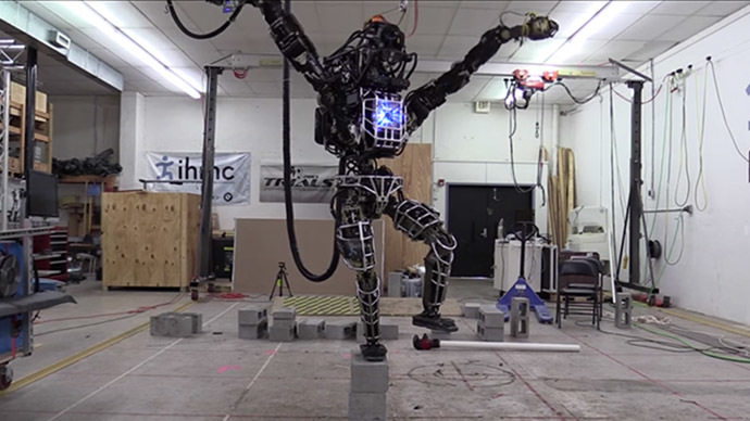 DARPA's Atlas robot learns karate (VIDEO)