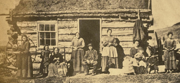 A Mormon polygamist family in 1888 (Image from wikipedia.org)