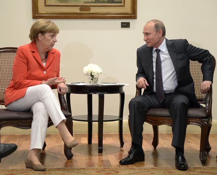 Russian President Vladimir Putin and German Chancellor Angela Merkel after their meeting in Rio de Janeiro (RIA Novosti / Aleksey Nikolskyi)
