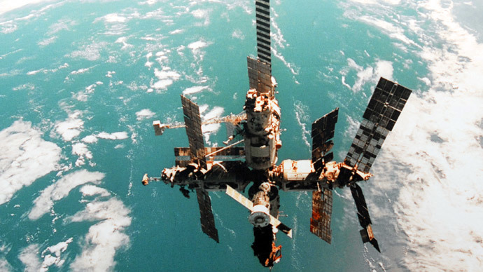 The Mir space station in flight.(RIA Novosti / Sergey Pyatakov)