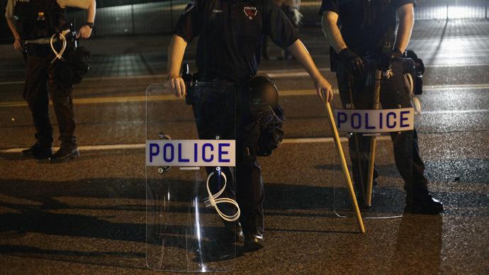 Ferguson officer accused of raping pregnant woman in custody