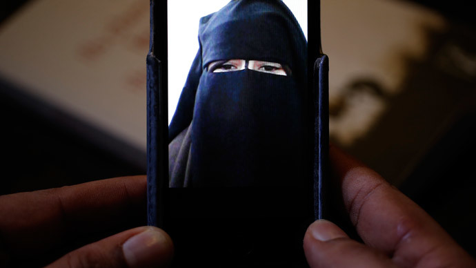 'Get your own extremist husband and bring some thermals' – Jihadist bride's advice to UK 'sisters'