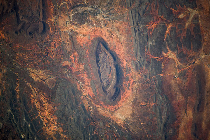 Namib desert in Africa pictured from the ISS. (Image from artemjew.ru)