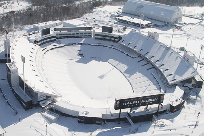 This aerial photo obtained courtesy of the Erie County Sheriff's Office shows the snowbound Ralph Wilson Stadium on November 20, 2014 in Orchard Park, NY. (AFP Photo/Erie County Sheriff's Office)