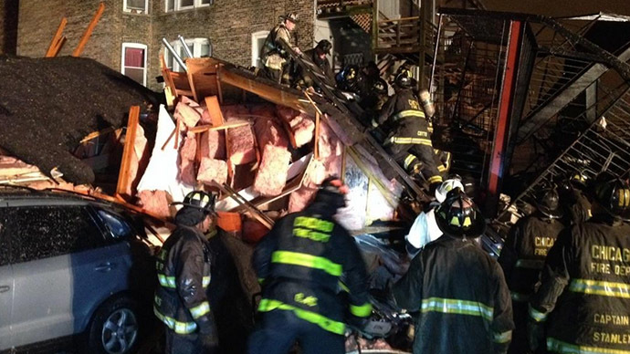 2 people rescued from rubble of collapsed building in Chicago (PHOTOS)
