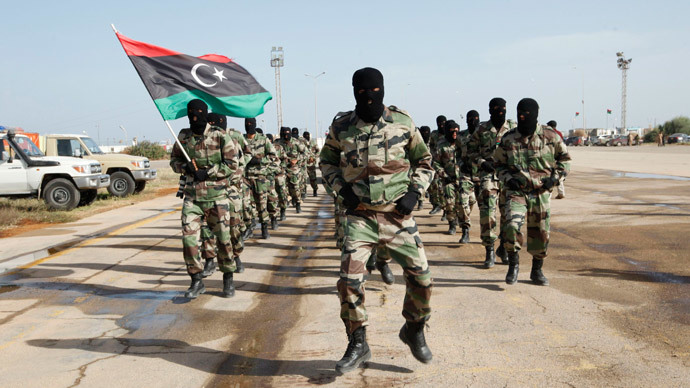 Libyan Army soldiers march.(Reuters / Ismail Zitouny)