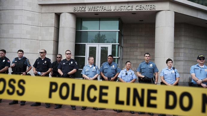 Two FBI agents shot near Ferguson