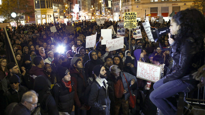 Dozens arrested, traffic blocked in 170 cities on Day 2 of Ferguson protests