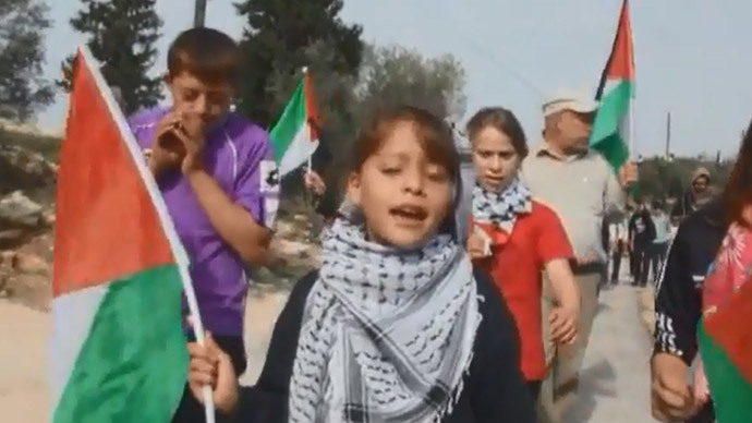 Filming for freedom: 8yo Palestinian girl uses smartphone to report on Israeli occupation