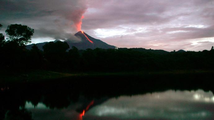 Colima Volcano (Reuters / Bernardo de Niz)