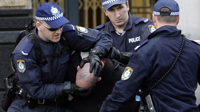 Brutal police beating of model shocks Australia (VIDEO)
