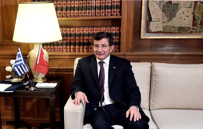 Turkish Prime Minister Ahmet Davutaglu (AFP Photo / Pool / Aris Messinis)