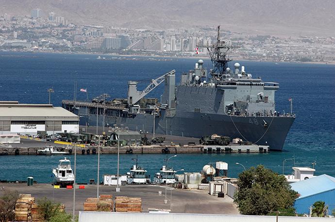 The USS Ashland (Reuters / Abraham Faroujian AJ / AH)