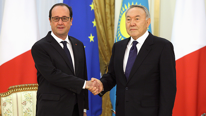 #СhapkaGate: Twitter in giggles over Hollande wearing Kazakh national costume