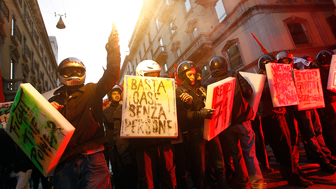 'F**k austerity': Protesters clash with cops outside opening night at La Scala, Milan