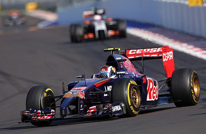 Toro Rosso driver Daniil Kvyat takes part in a race during the 2014 Formula 1 Russian Grand Prix (RIA Novosti / Vitaliy Belousov)