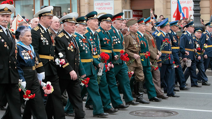 Russia marks Heroes' Day with nod to Tsarist era