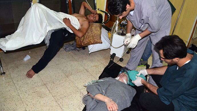 People, affected by what activists say is nerve gas, are treated at a hospital in the Duma neighbourhood of Damascus August 21, 2013. (Reuters)