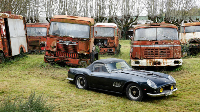 50 years out of sight: Vintage cars discovered at French farm could net $12mn (PHOTOS)
