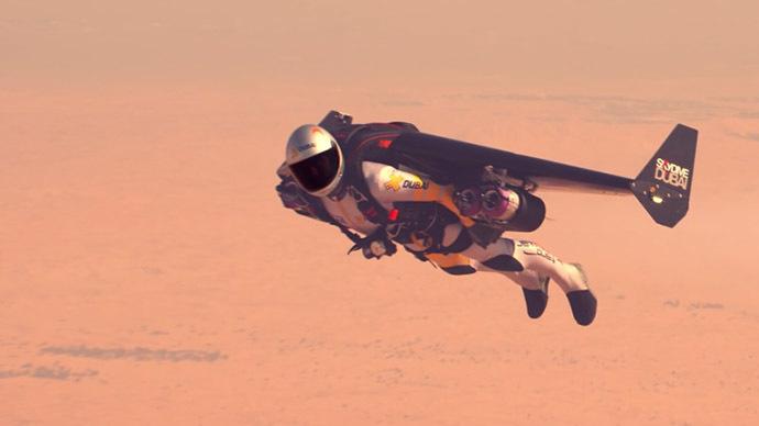 Sky's not the limit: World's first 'Jetman' flies over Dubai desert (VIDEO)
