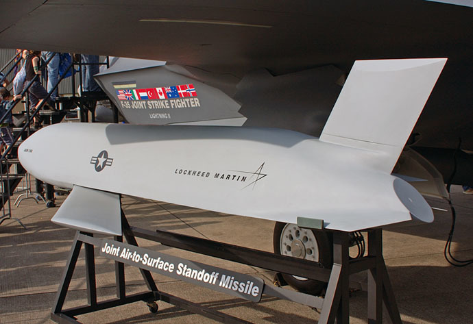 AGM-158 JASSM missiles (Photo from wikipedia.org)