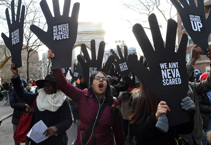 Protesters march on 5th Avenue during the Millions March NYC on December 13, 2014 in New York.( AFP Photo / Don Emmert)