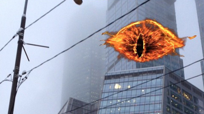 'Eye of Sauron' finally appears in Moscow sky – but shares spotlight with holiday goodness