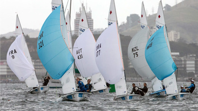 Athletes compete in the Women's 470 during the final day of Aquece Rio, the International Sailing Regatta 2014, as the first test event for the Rio 2016 Olympic and Paralympic Games at Guanabara bay in Rio de Janeiro, Brazil, on August 9, 2014. (AFP Photo)