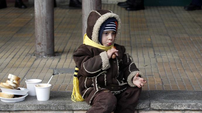 Hundreds of UK children sleep on streets and in drug dens – local govt slammed