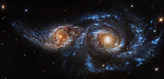 Optical image of NGC 2207 and IC 2163 spiral galaxies (NASA/STScI)