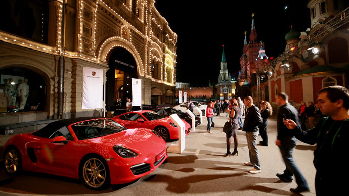 Porsches sold out: Luxury cars go like hotcakes in Russia amid ruble plunge