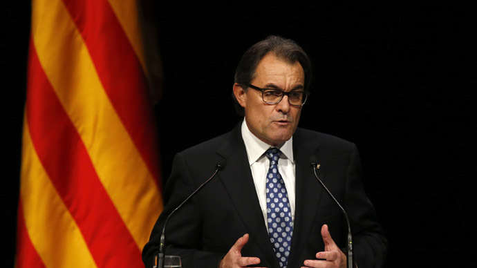 Spain investigates Catalonia leader over independence vote