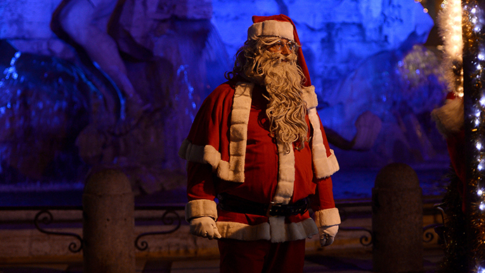 Mall Santas an 'endangered species' as cyber Santas rise