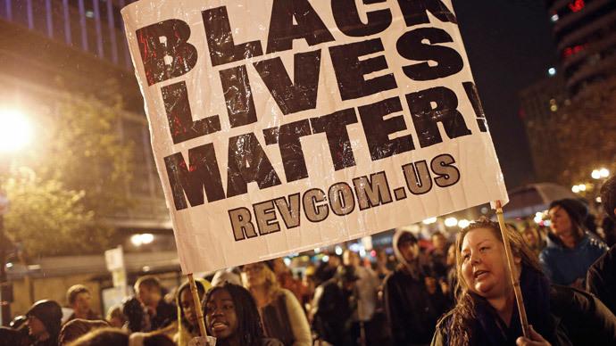'Black Lives Matter' Xmas protest turns violent in Oakland