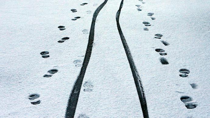 UK under snow barrage: Airport shut down, skidded car explodes, Twitter tracks weather