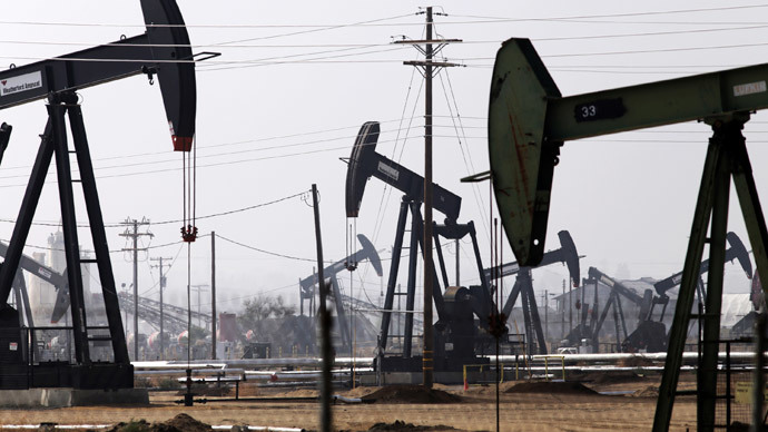 Crude price drop triggers major layoffs in US oil industry