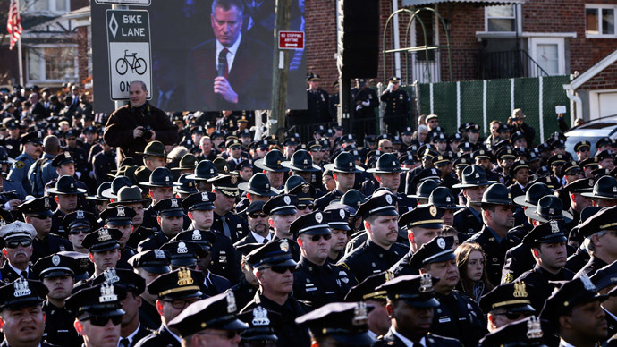 NYPD commissioner: Officers turning backs on mayor at funeral 'very inappropriate'