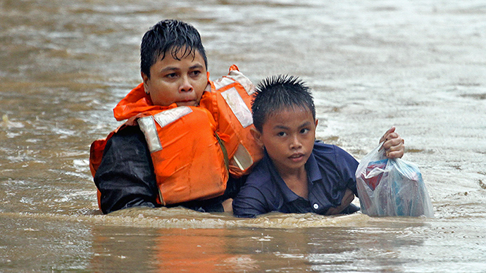 200+ dead, whole village wiped out, as severe storm hits the Philippines  (PHOTOS)
