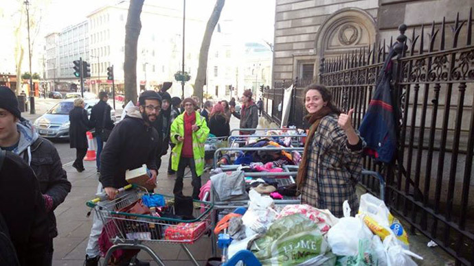 Police dismantle soup kitchen for London homeless, evict activists