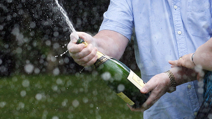 Festive Champhysics: Uncorking sparkling wine a key to solving energy problems