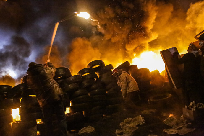 Supporters of European integration of Ukraine clash with the police in the center of Kiev January 25, 2014 (RIA Novosti)