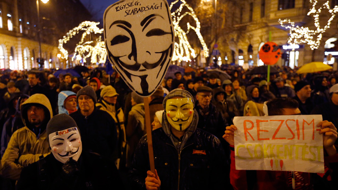 1000s rally in Hungary, accuse govt of drifting away from EU ...