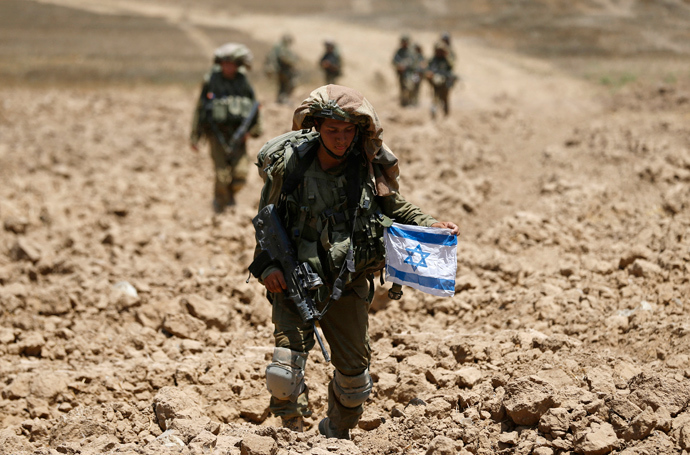 Israeli soldiers from the Givati brigade return to Israel from Gaza August 3, 2014 (Reuters / Baz Ratner)
