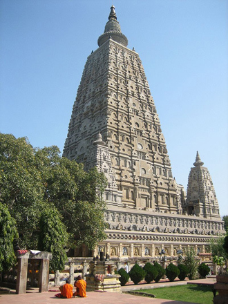 Mahabodhi Temple in Bodh Gaya. (Image from wikipedia.org)