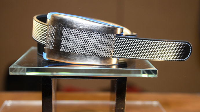 Smart hands-off belt automatically loosens after big meal